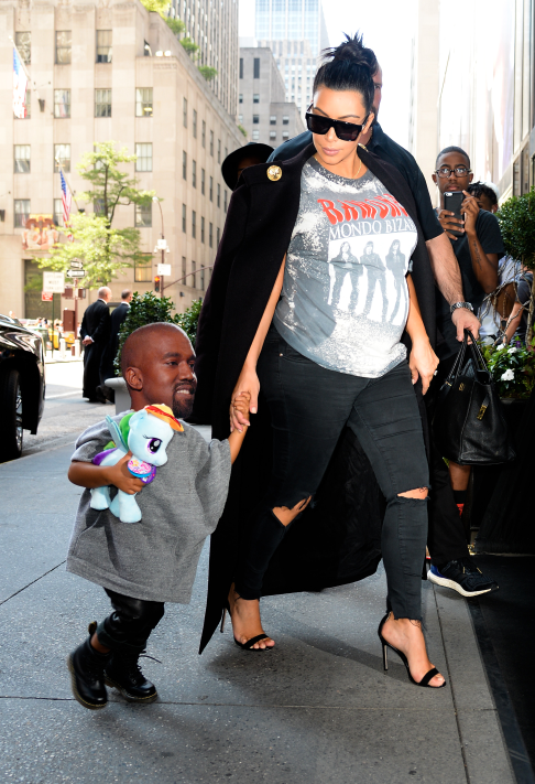 Someone Photoshopped Kanye S Head Onto His Daughter S Body And It S The Best Thing You Ll See All Day Kanye West Funny Kanye Face Kanye West North West