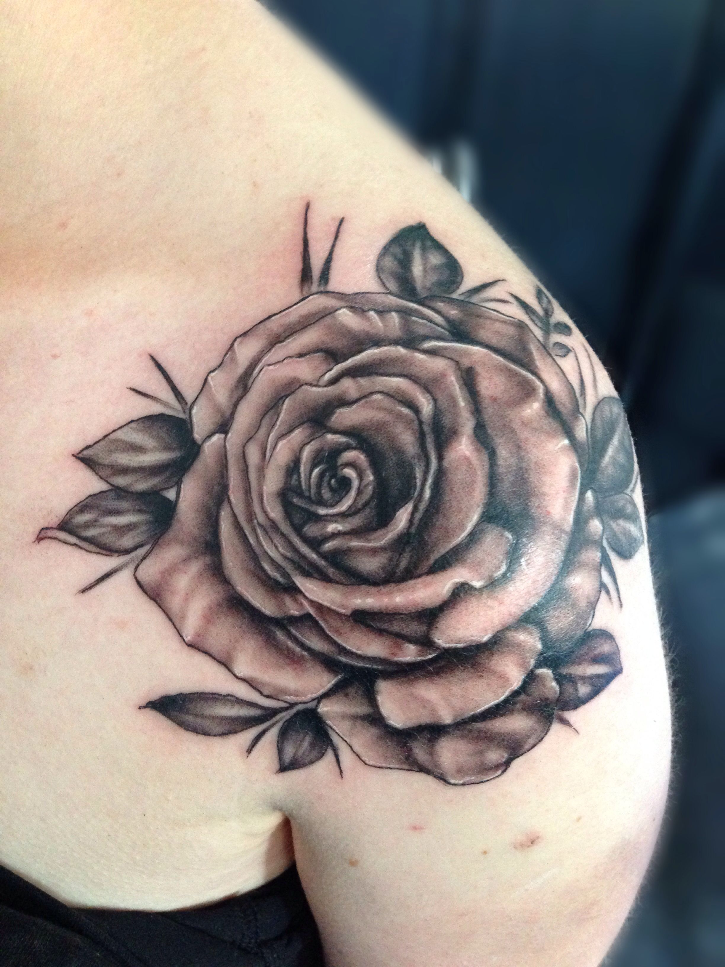 Rose Tattoo Roos Shoulder Schouder Arm Front Neck Roses Black Grey Tattoo Royal Ink The Netherlands Front Neck Tattoo Front Shoulder Tattoos Neck Tattoo
