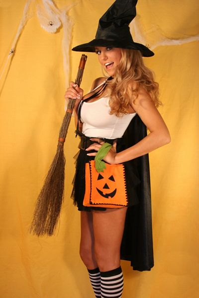 Ember reigns witch halloween