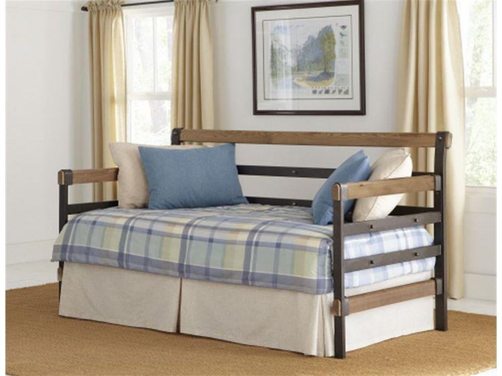 Largo International Bedroom Metal And Wood Daybed 619   Wright Furniture U0026  Flooring   Hannibal,