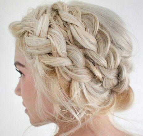 Fryzura Studniówka Rozpuszczone Szukaj W Google Hair