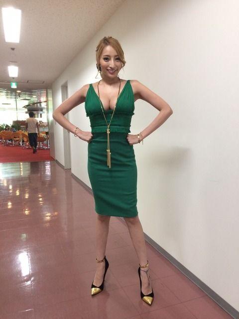 洋服が素敵な加藤紗里さん