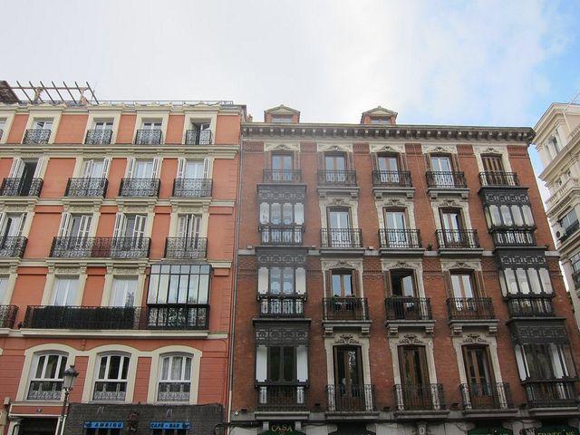 Plaza de las Salesas. Madrid by voces, via Flickr