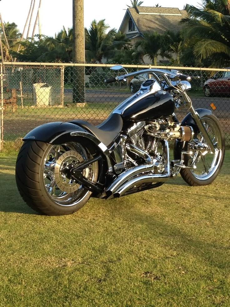 When you think of Harley-Davidson, you think of top-notch, well-oiled, two-wheeled mean machines. And even if you're more of a car guy, it won't be surprising if you want to have one. However, just like its four-wheeled counterparts, these machines are not impervious to the most ridiculous, most awesome, and weird modifications a man can think of. Need proof? We'll show you.