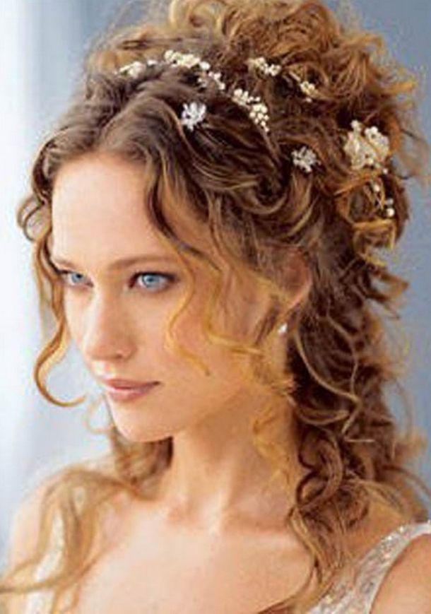 Easy To Do Hairstyles For Long Hair At Home Free Download Easy To Do Hairstyles For Long Ha Goddess Hairstyles Curly Wedding Hair Curly Hair Styles Naturally