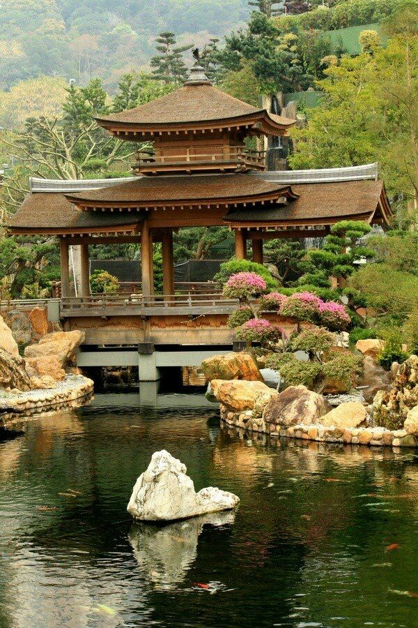 Chi lin nunnery is a large buddhist temple complex located for Traditional japanese garden