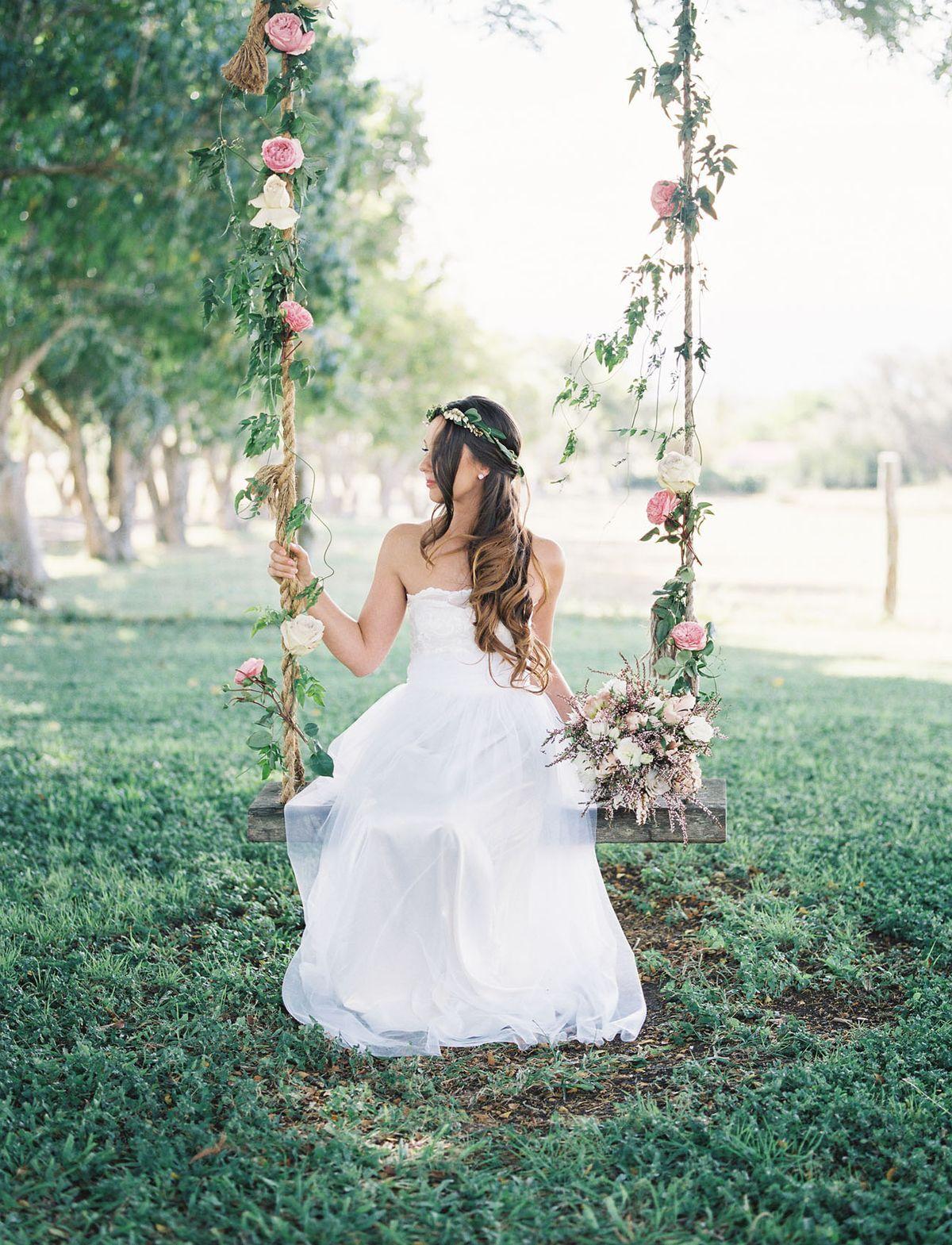 Romantic hawaiian wedding at puakea ranch alexis ben green