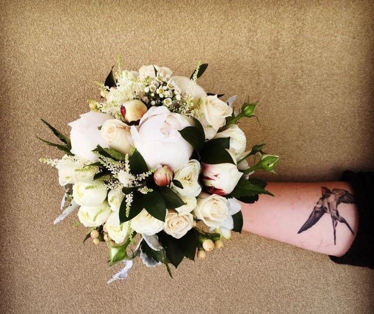 Gambar Bunga Yang Elegan 15 Pilihan Buket Bunga Yang Akan Permanis Momen Pernikahan Kamu Nanti Bunga Bingkai Vektor Can Gambar Bunga Bunga Bunga Pernikahan
