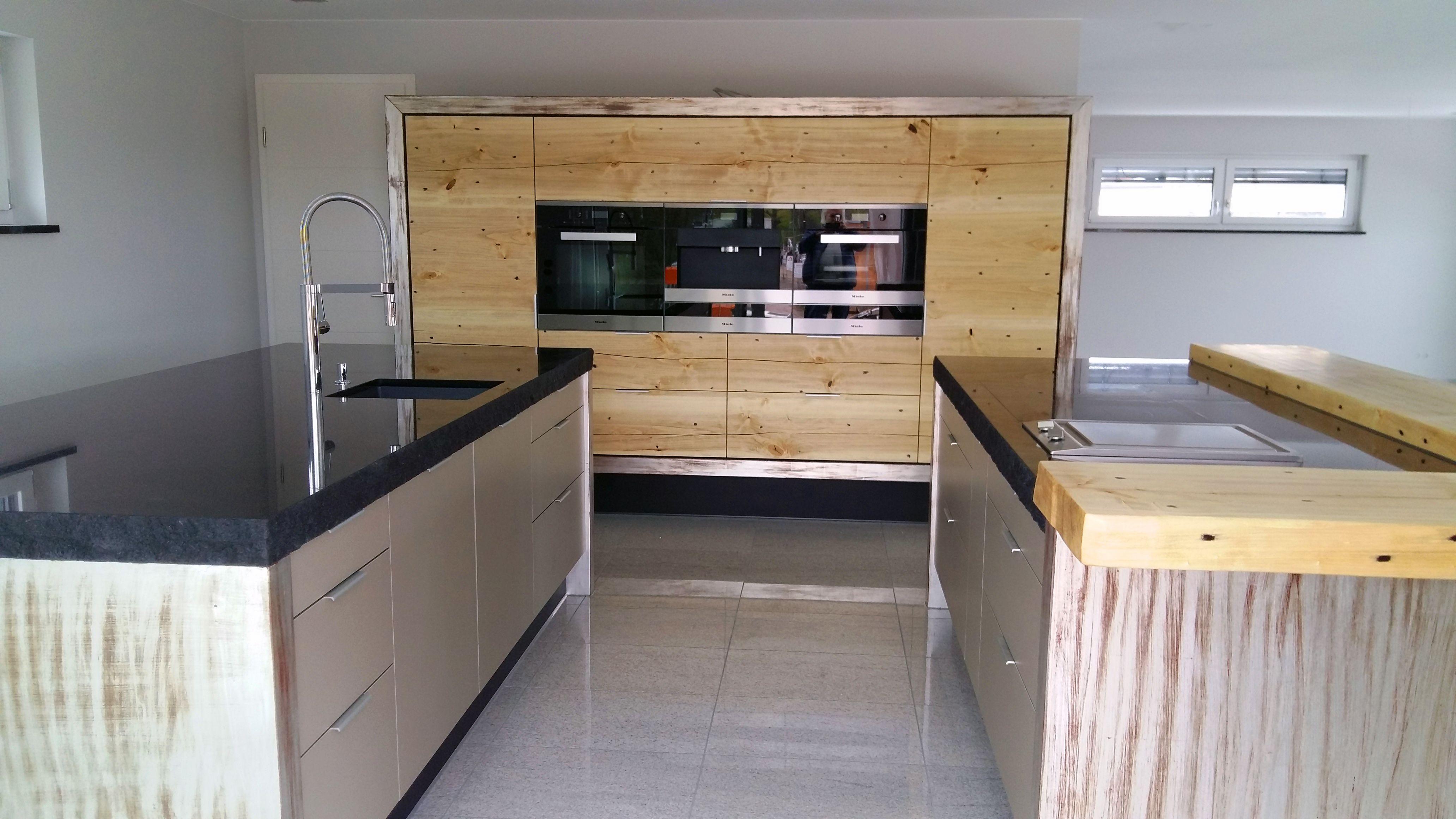 Innova Küchenplaner ~ Massivholz küche aus eiche front wall mit glasfront gemischt