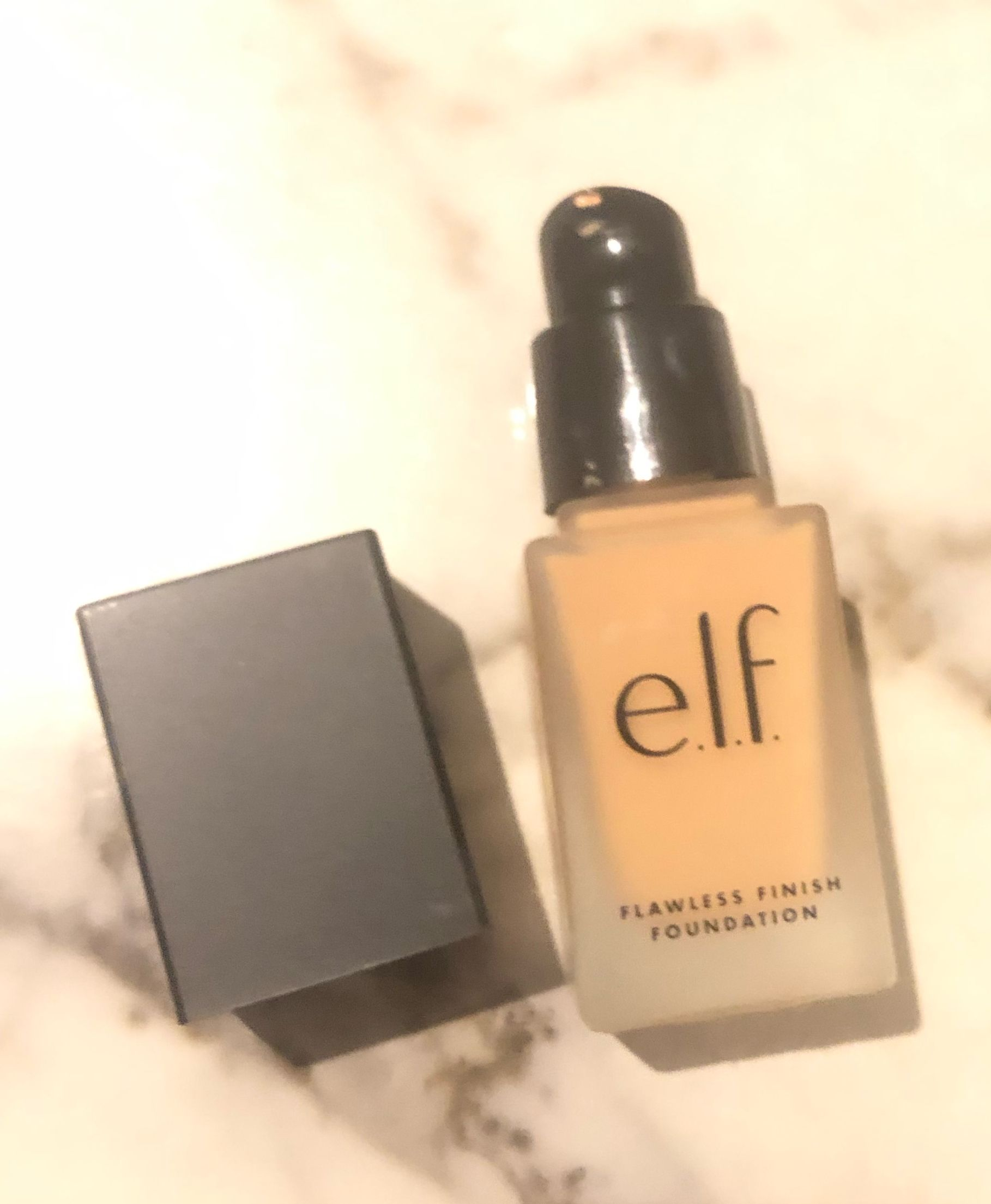 Review E.L.F. Flawless Finish Foundation Beauty sponge