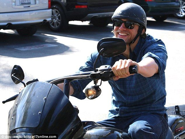 Charlie Hunnam Zips Around On A Motorcycle On A Day Off From Soa Charlie Hunnam Sons Of Anarchy Charlie Hunnam Soa