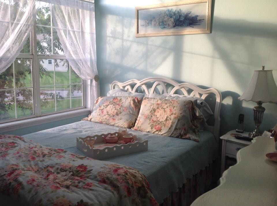 Light Academia Aesthetic Bedroom
