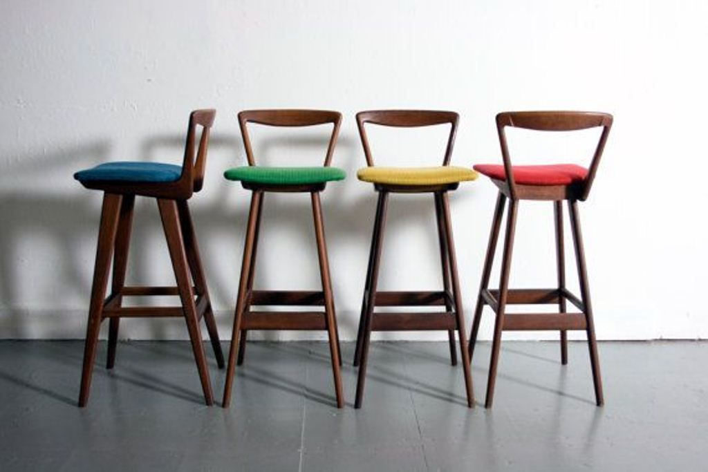 Mid Century Bar Chair Ideas For Your Vintage Bar Decor Www Barstoolsfurniture Com Mid Century Bar Stools Modern Bar Stools Mid Century Modern Bar