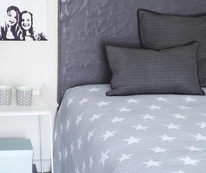 Prehoz na manželskú posteľ AD STAR Light Grey