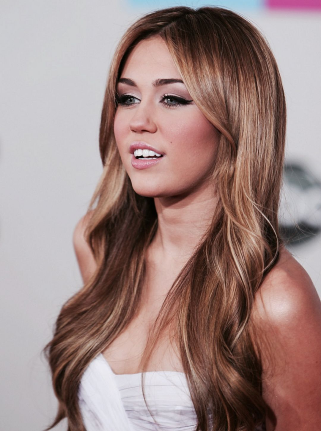 beautiful miley cyrus long hair style you have to see long
