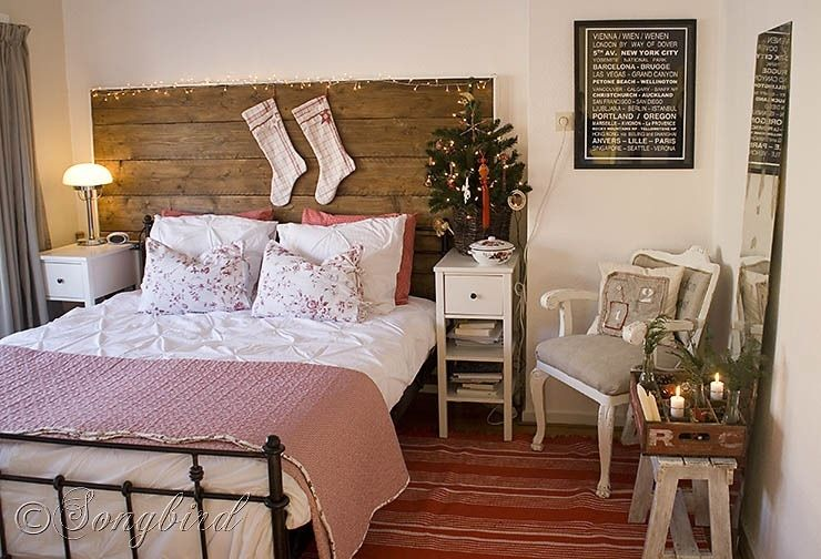 Holiday Bedroom Decorating Ideas Part - 49: Add Christmas Cheer Effect With Bedroom Christmas Decoration For This Year