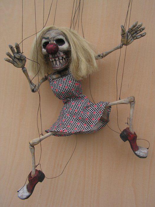 http://www.marionetisti.cz/obrazky/martin/calavera_actress_45cm.jpg