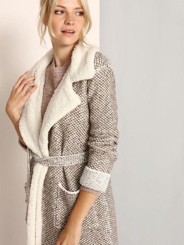 42289c11cd248e Damski płaszcz Top Secret z kolekcji jesień-zima 2016.Bardzo modny damski  płaszcz ala