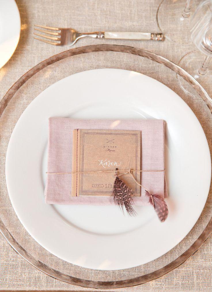 Napkin ring decoration - photo Aaron Delesie