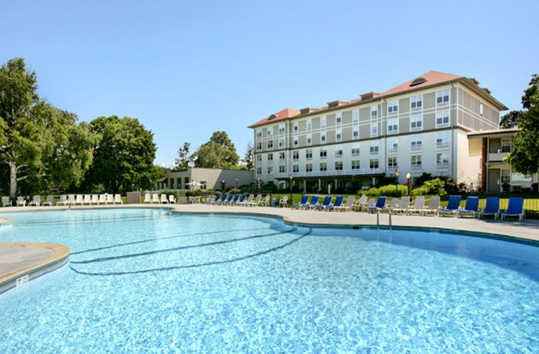 The Fort William Henry Boasts The Largest Outdoor Pool In Lake