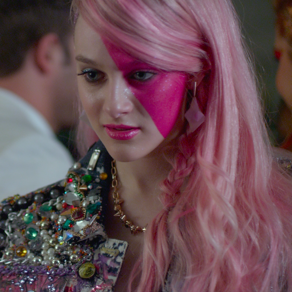 halloween costumes the jem and the holograms trailer features more than just music