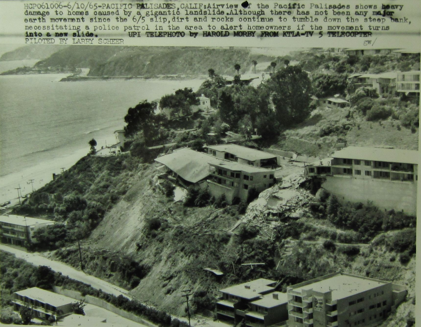 Photo 1965 landslide sunset and pacific coast highway for Where is pacific palisades