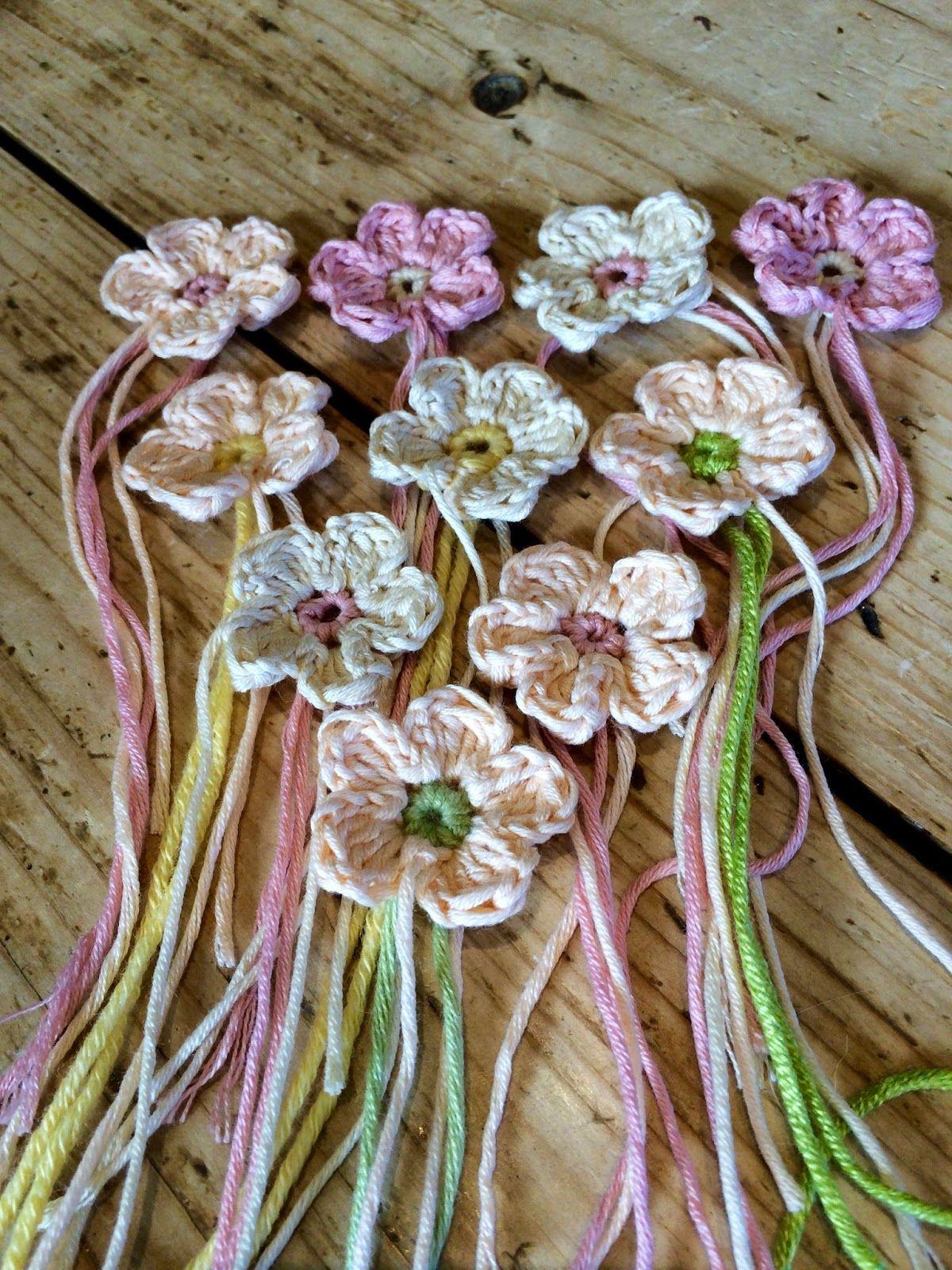 @ Just Pootling: Tiny spring flowers - with free pattern ...