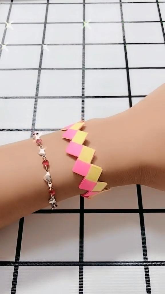Easy Origami Bracelet Tutorial DIY  Paper Crafts