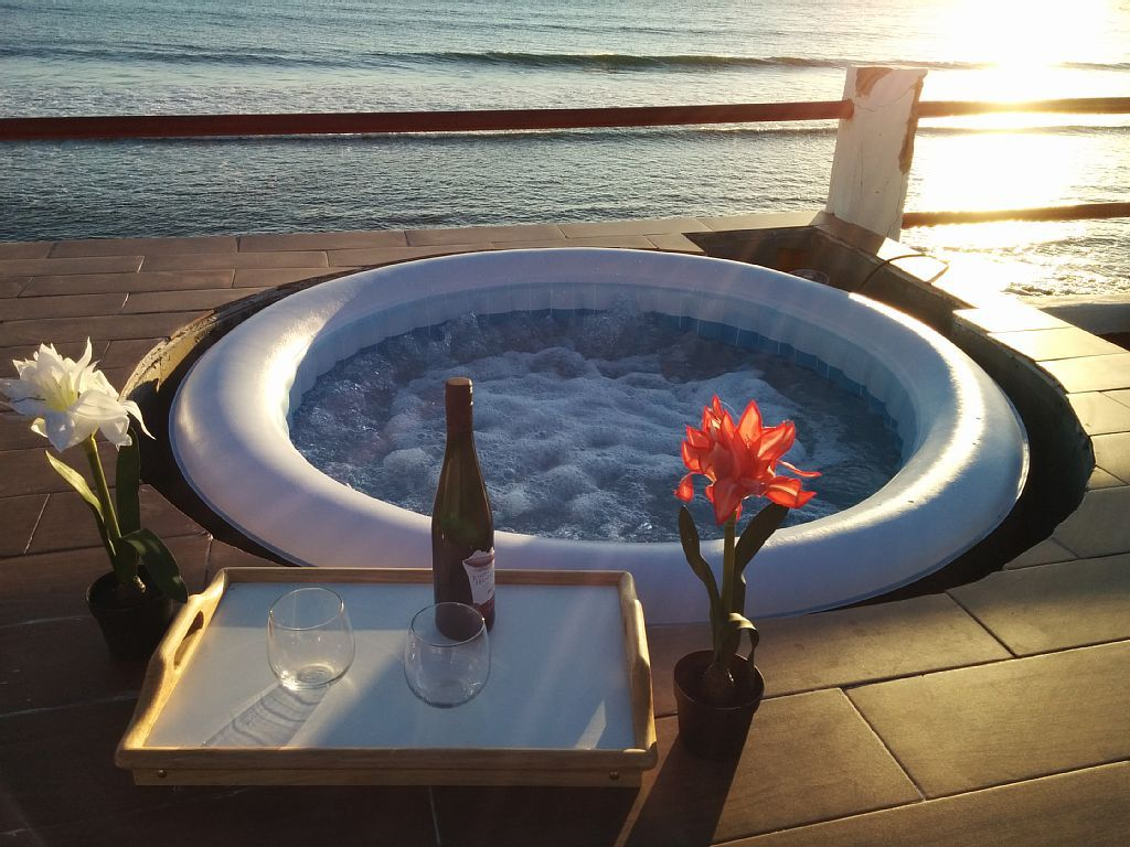 10 Phenomenal Backyard Hot Tub Ideas for a Home Hot tub