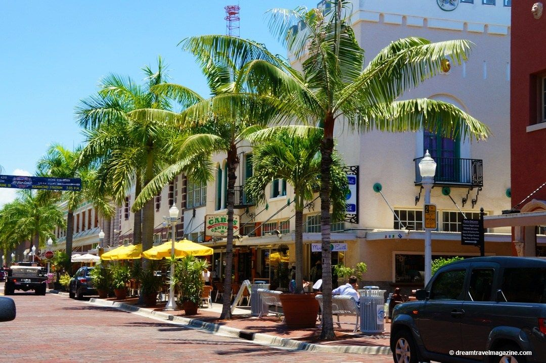 Downtown Ping In Fort Myers Beach Florida