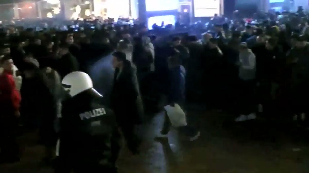 Riskante Räumung: Polizei-Video zeigt Chaos aus Silvesternacht