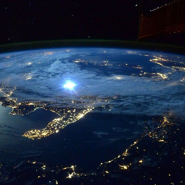 moon light on space station -#main