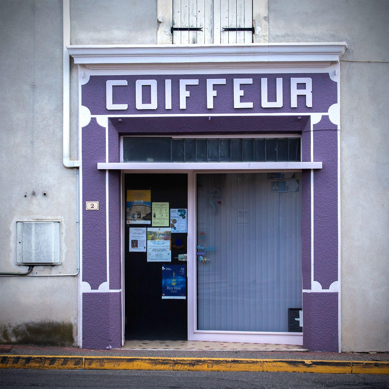 Coiffeur Suze La Rousse Facade Boutique Sainte Cecile