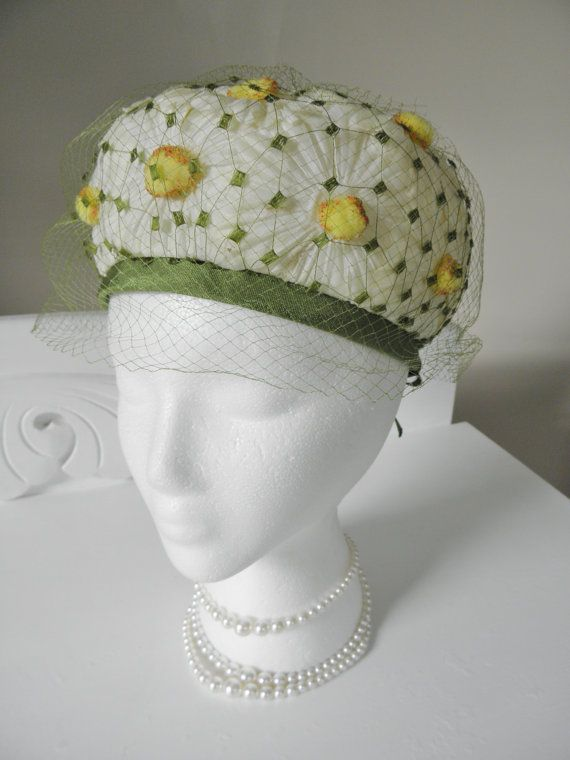 Vintage Daisy Hat French Room Design by GrandVintageFinery on Etsy, $26.00