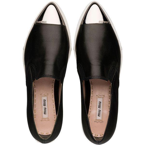 Pointy toe soft nappa leather slip-on