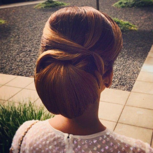 #ShareIG Such an elegant hairdo by @Makeupbyunique ❤️