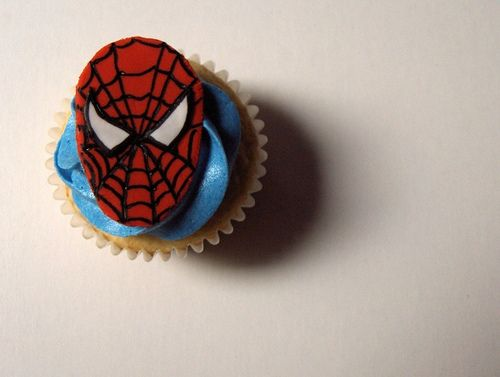 Spiderman Cupcake..with spiderman face on top..