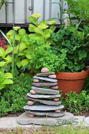 Steinpyramide for the home inspiration au en garten gartentr ume und diy und selbermachen - Garten inspiration ...