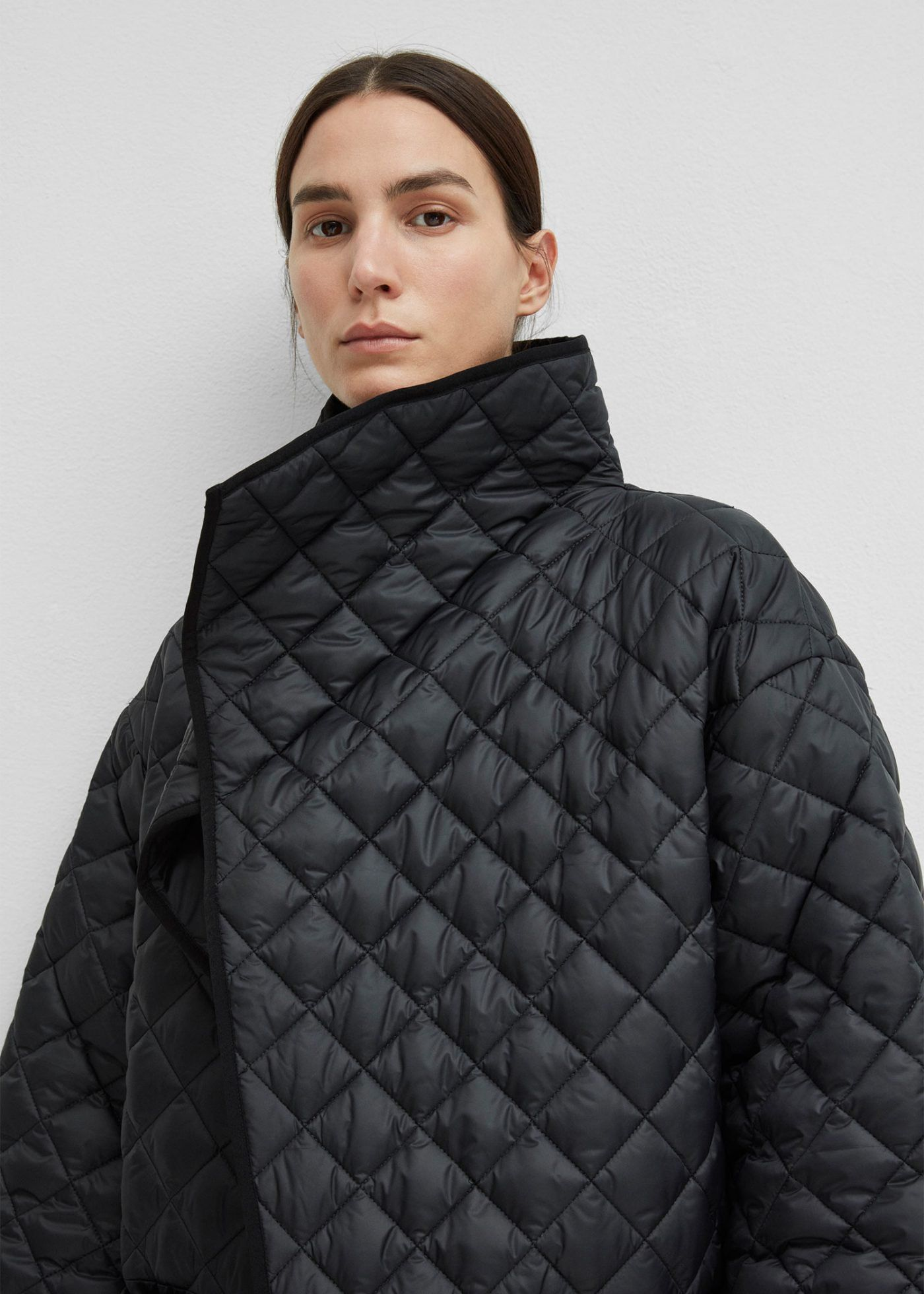 Toteme Official Online Store Quilted Coat Long Quilted Coat Quilted [ 1960 x 1400 Pixel ]