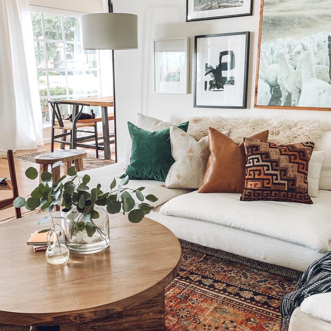 Neutral Mid Century Modern Living Room With Beige Sofa And A Gallery Wall Livingroomdecor Livingroom Ho Cheap Home Decor Living Room Designs Apartment Decor