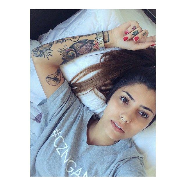 Gabi Rippi maravilhosa com suas tatuagens gostou? Então segue lá no insta @fashionistas_book