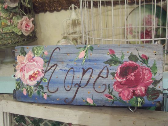 (signofhope)WEATHERED HANDPAINTED SIGN (Hope)