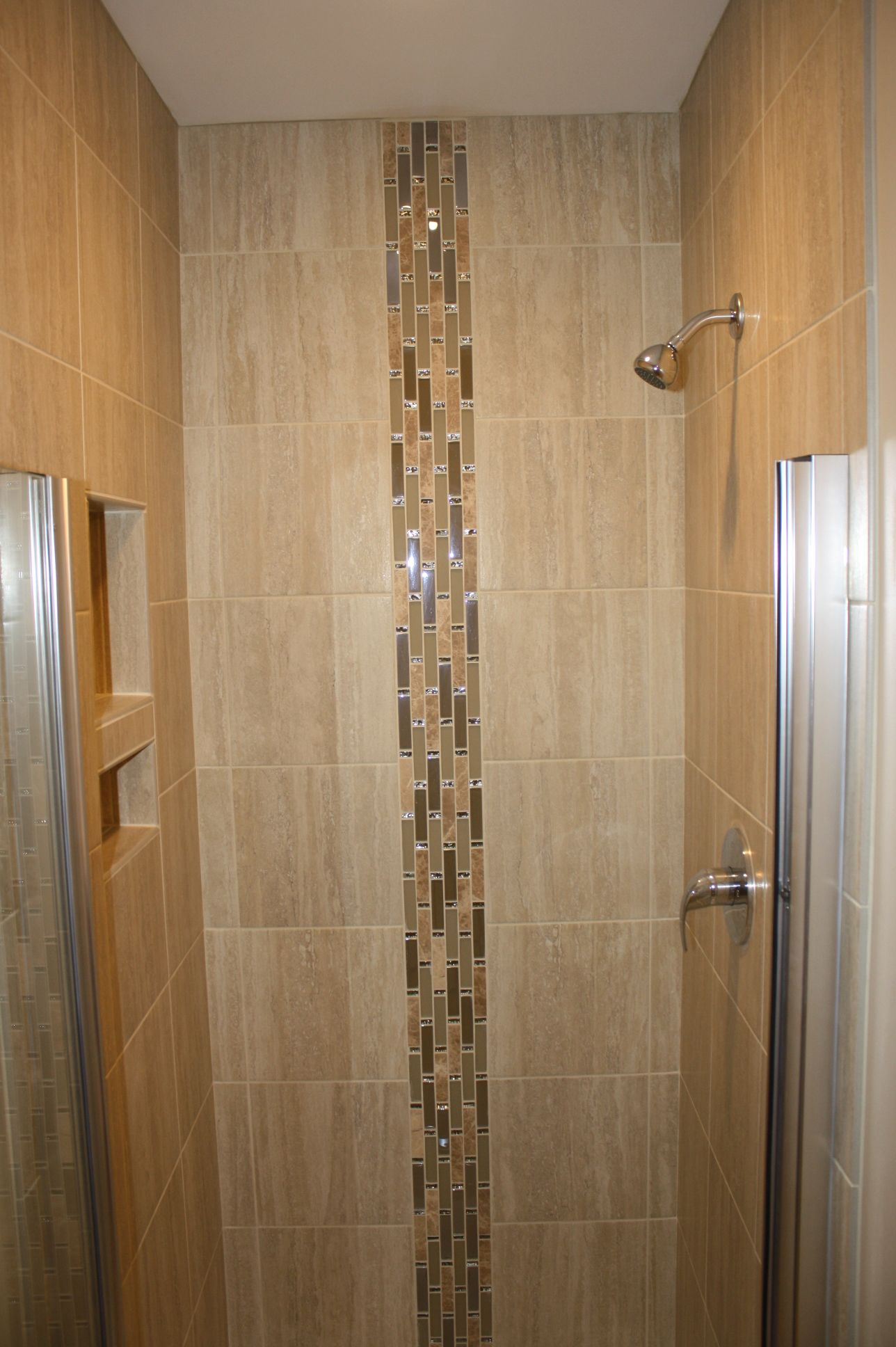 3x3 Shower Area Using 12x12 Porcelain Tiles With A Linear Glass Combination Waterfall Accent Double Niche Is 12x12 And 6 Tile Bathroom Tile Patterns Shower