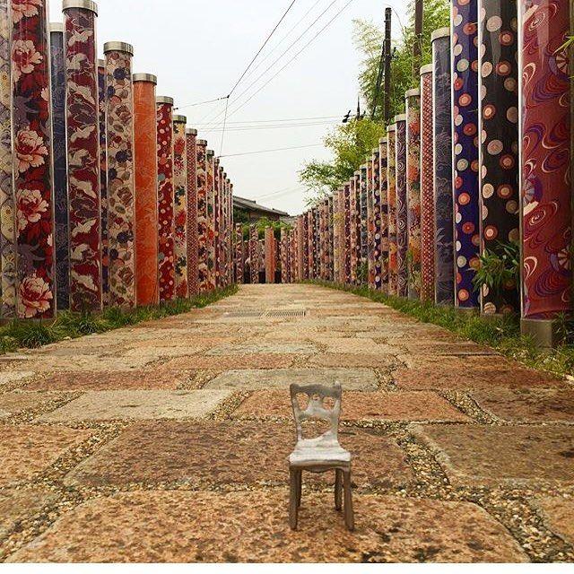 Nuestra silla viajera en #Japón! Foto de @paulacabreragil .  #arq #sillaviajera #pepecabrera #pepecabrerastudio #denia #design #interiordesign #architecture #inspiration #arquitectura #decor #designer #homedecor #style #home #decoracion #vsco #interiorismo #vscocam #archilovers #igersvalencia