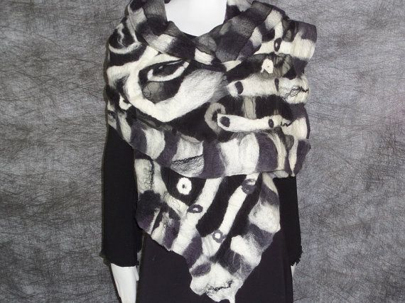 Nuno felted black and white scarf от MariaCsury на Etsy