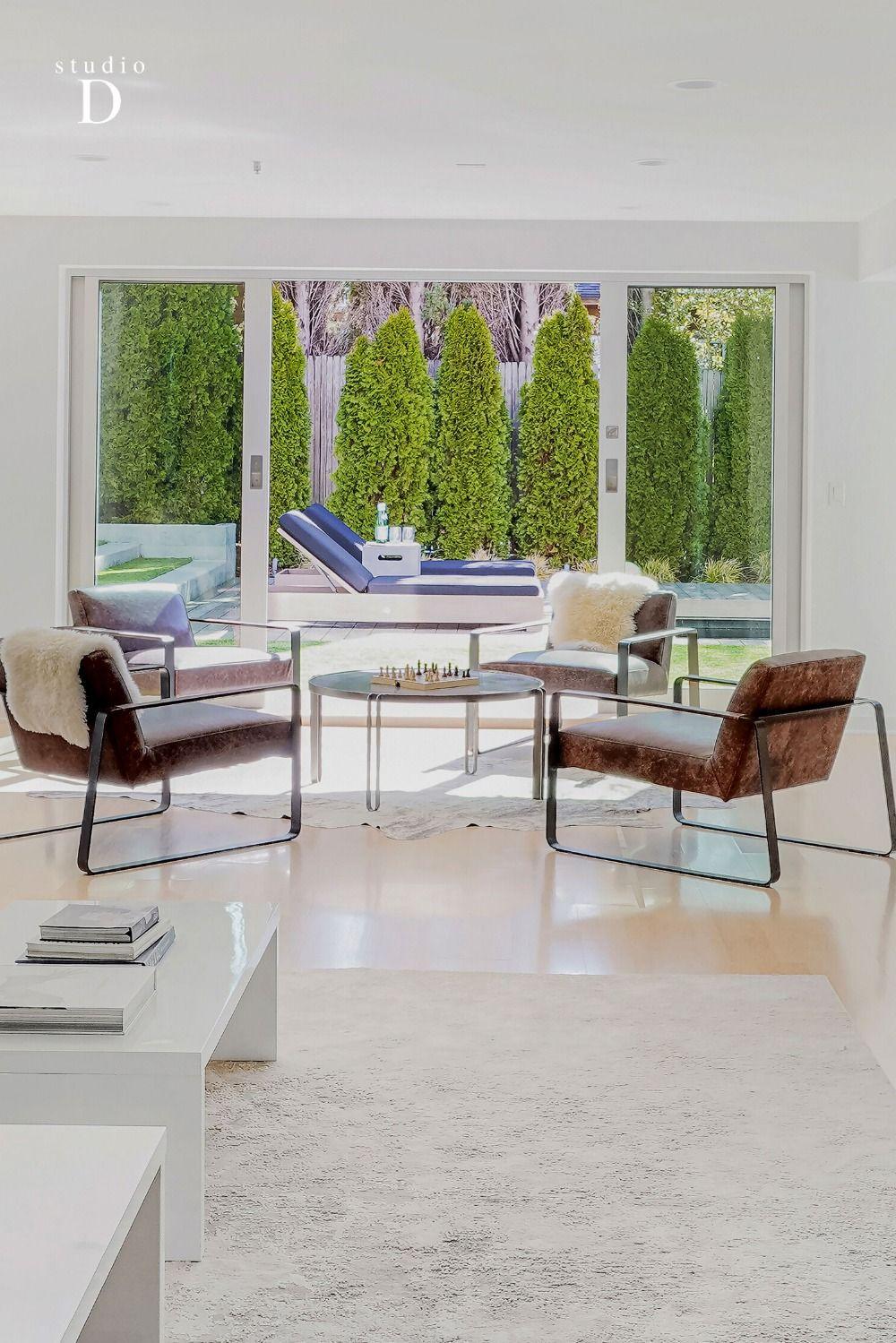14 Mann Dr, Kentfield CA   #Modern #leather #chairs #livingroom in #california #contemporary #home #marin   #homestaging #interiordesign #designinspo #carealestate #bayarearealestate #bayarea #luxuryrealestate #luxuryhome #luxury #stagedbystudioD