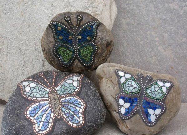 mosaik basteln stein mosaik im garten mosaik steine und flusssteine. Black Bedroom Furniture Sets. Home Design Ideas