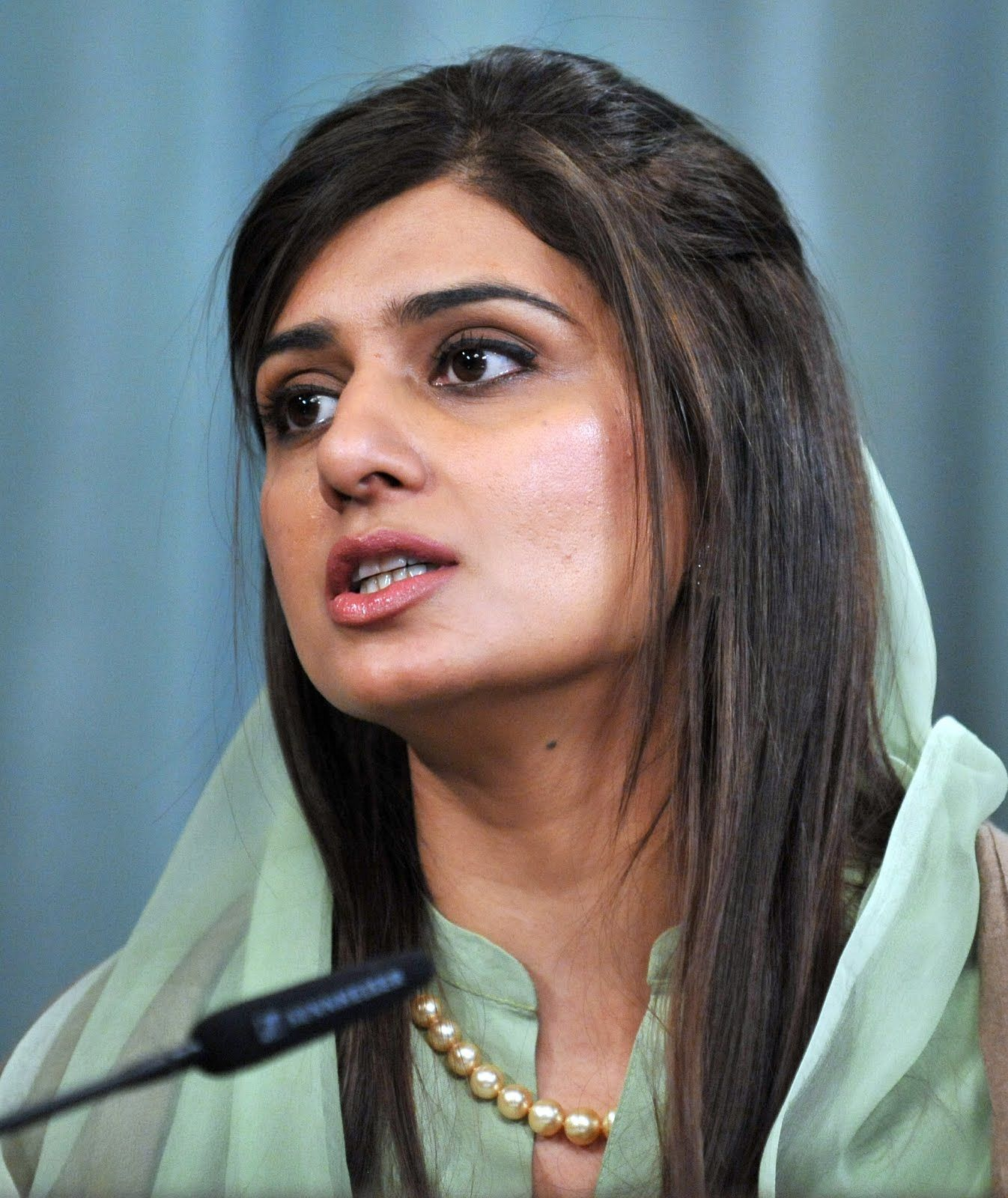 Hina Rabbani Khar HD wallpapers images