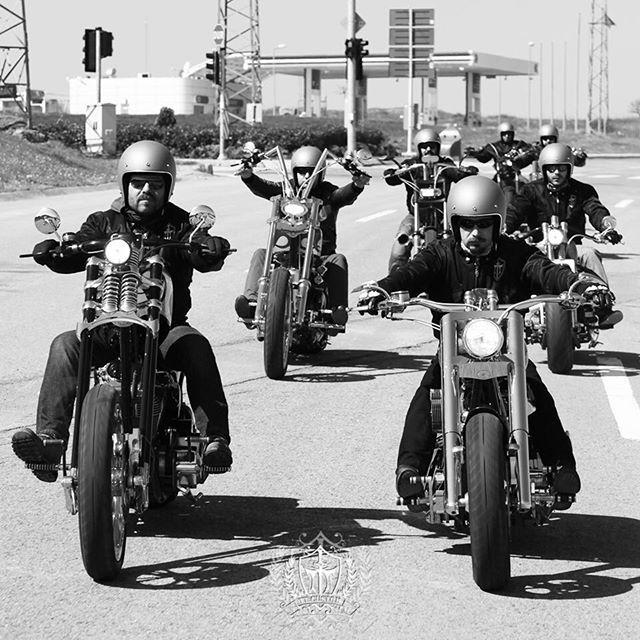 """İletişim Numaralarımız / Contact Us TT Custom Mecidiyeköy 0212 212 5278 TT Custom Kızıltoprak 0216 541 9190 TT Custom Antalya 0242 349 2830  7/24: 0535 882 8282 / 0536 245 4545 ttmotor.com.tr ttcustomshop.net  #run #driver #dreamdrive #rocknroll #epicmoment #highlifecustoms #businessclasstoy #custom #elegance #highclass #highpower #lifeofadventure #adventure  #customized #lifestyle #livingthedream #engine #customemade #empire #chopper #businessclasscustom #uniqlife #uniqcustoms…"