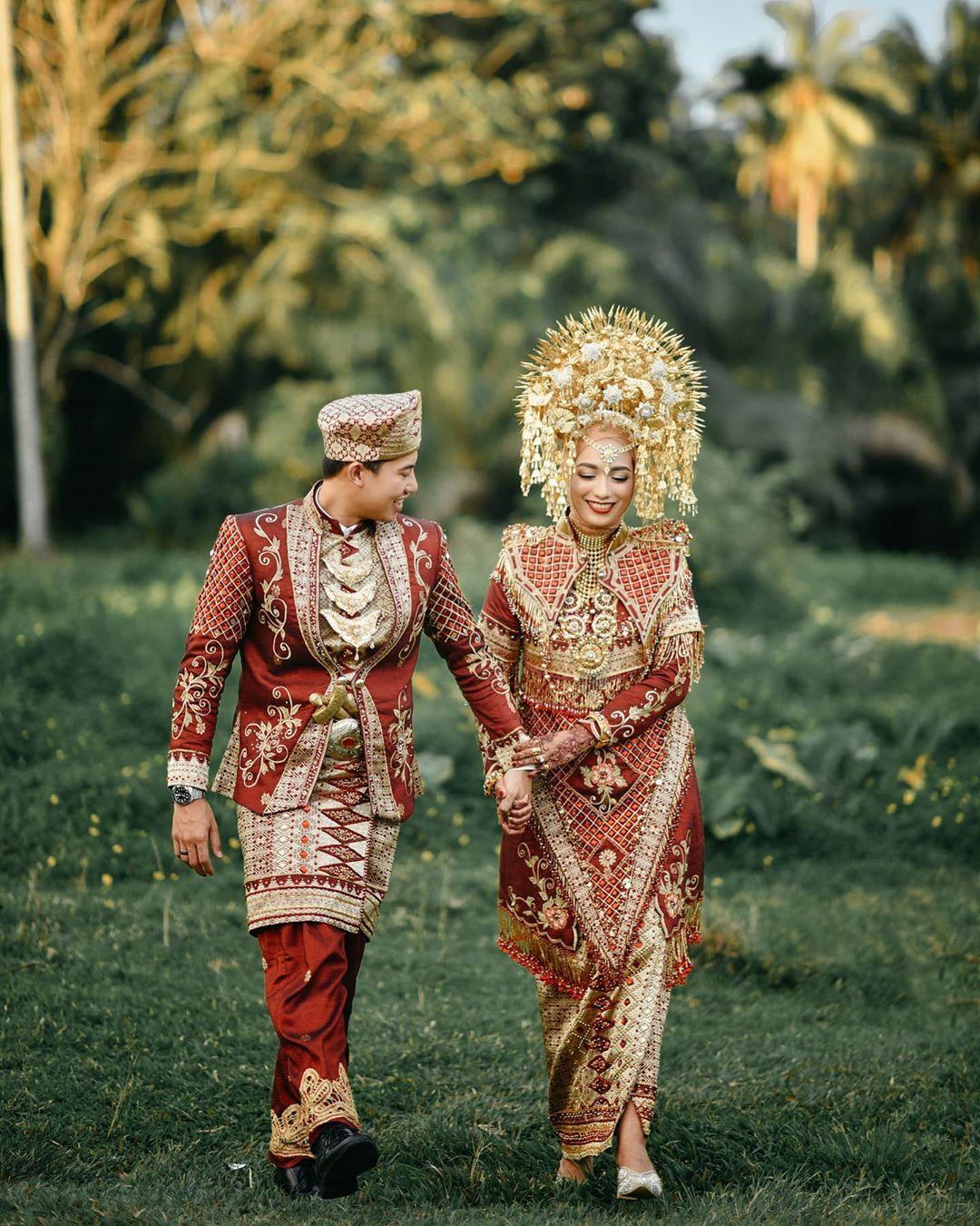 Contoh Pakaian Adat Dari Sumatera Barat
